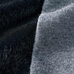 ホースヘア風 フェイクファー使い プルオーバー 前身頃は黒のホースヘア風、後ろ身頃は杢グレーの圧縮ウールジャージー。