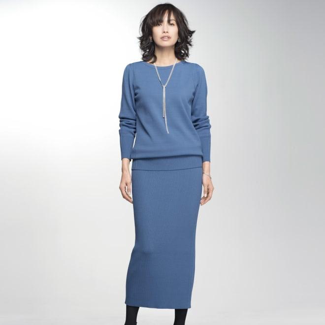 イタリア糸ニット セットアップ(プルオーバー+スカート) (ア)スモーキーブルー 着用例