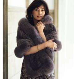 イタリア素材 ローズ柄 ふくれジャカード ワンピース コーディネート例 /気持ちを高めてくれる服が、優美な佇まいも叶える……そんな効果を実感できる装いです。