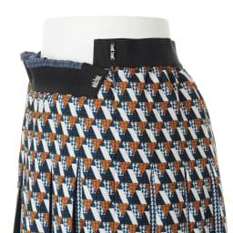 幾何学柄 プリーツ スカート