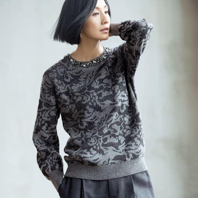 イタリア糸 ジャカード編み ビジュー付き プルオーバー 着用例