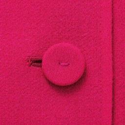 「NIKKE」 ウールダブルクレープ ワンピース ボタン部分