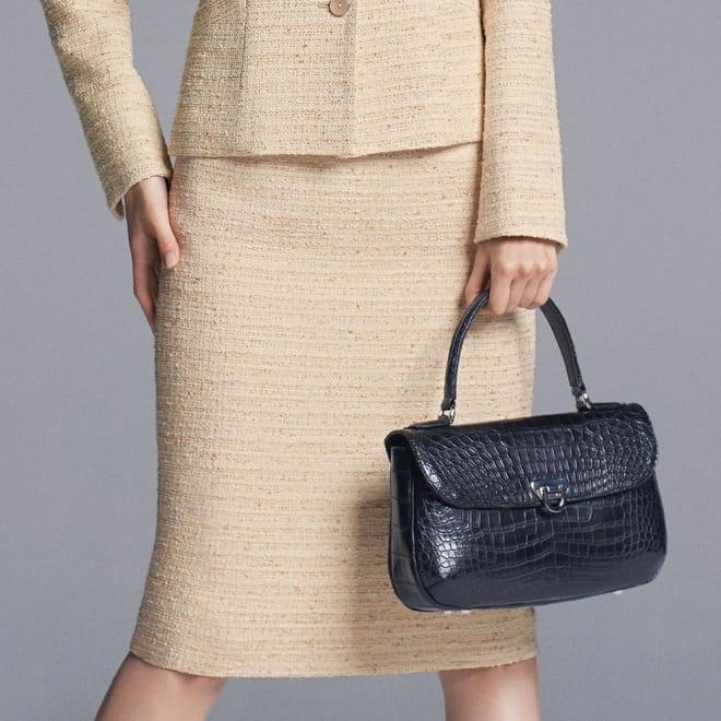 イタリア素材 ラメツイード タイトスカート 着用例