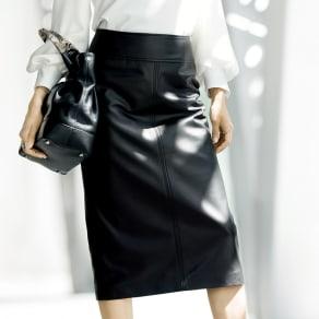 ラムレザー タイトスカート 写真
