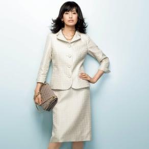 フェルラ社 シルク ドットジャカード スーツセット(ジャケット+スカート) 写真