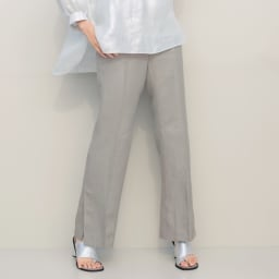 リベコ社 裾ベント入り リネン セミワイドパンツ 着用例