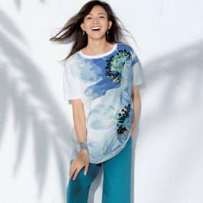 フラワープリント ビッグ Tシャツ 写真