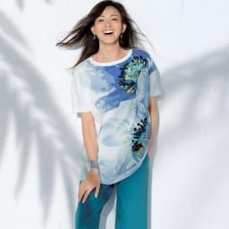 フラワープリント ビッグ Tシャツ コーディネート例