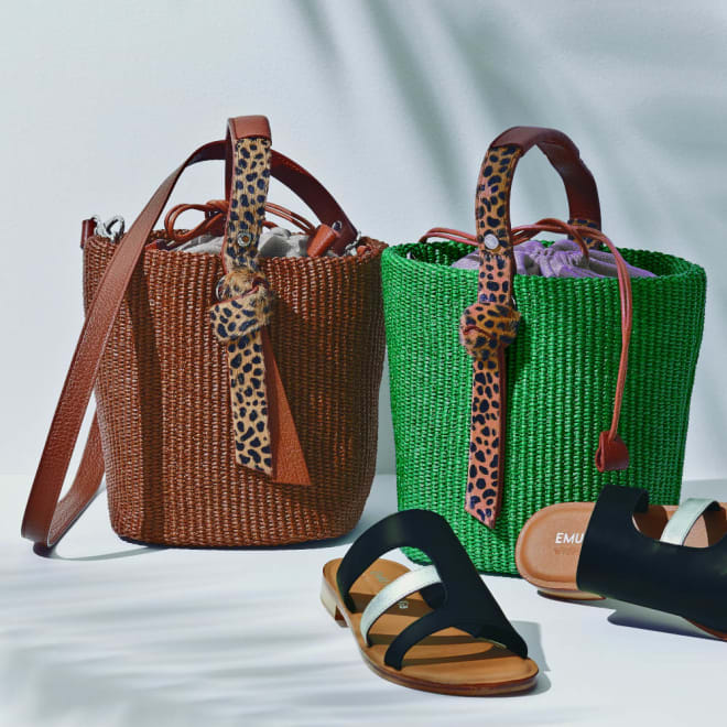 Roberta Gandolfi/ロベルタ ガンドルフィ ラフィア風素材 バケツ型 バッグ(イタリア製) 左から (ア)ブラウン (イ)グリーン ※サンダルは別売りの商品です。