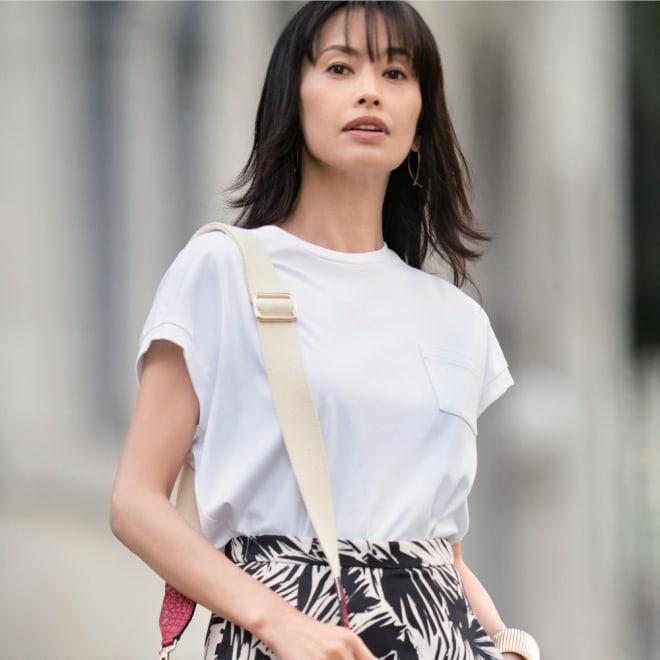 スビン綿 ポケット付き Tシャツ (ア)ホワイト 着用例