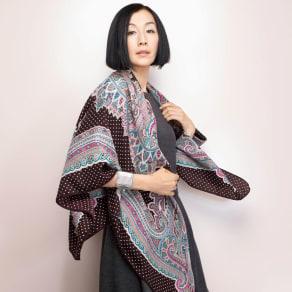 ビンダ社 ウールシルクツイル ペイズリー&ドットプリント スカーフ 写真