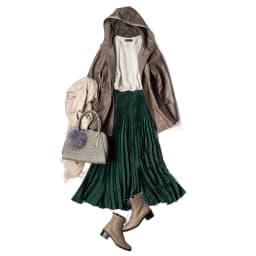 サテン素材 変形プリーツ スカート コーディネート例