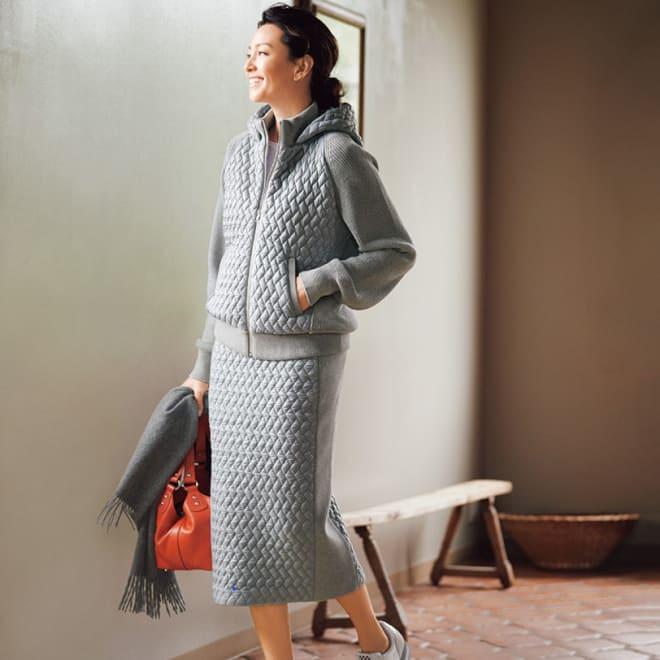 イタリアキルト素材使い ニット切り替え セットアップ (パーカ+スカート) 着用例