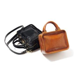CHRISTIAN VILLA/クリスチャンヴィラ スクエア 2WAY バッグ(イタリア製) 左から (ア)ブラック (イ)キャメル