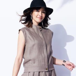 リネン素材 スリーブレス ショートジャケット 写真