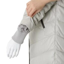 シルバーフォックスファー付き ラムレザー ダウンコート 袖口内側リブ仕様