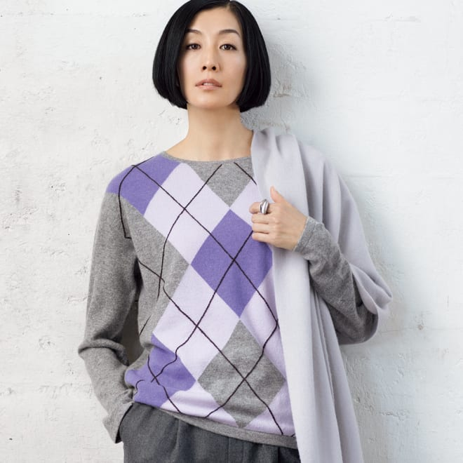 ハンド刺繍使い カシミヤ アーガイル柄 インターシャ プルオーバー 着用例