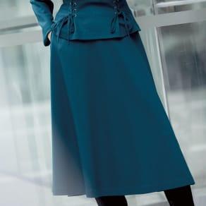 圧縮ウール スムースジャージー フレアースカート 写真