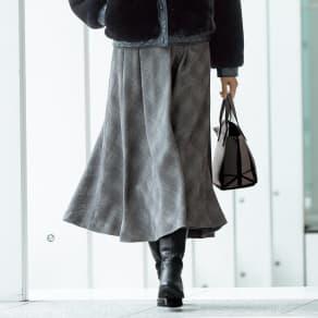 「NIKKE」 マフ バーズアイチェックフレアースカート 写真