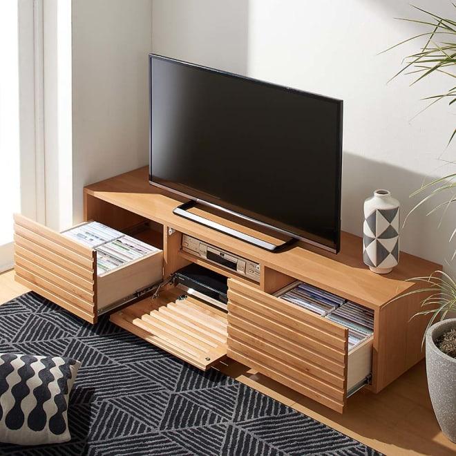 アルダー格子テレビ台 幅150cm コーディネート例(イ)ナチュラル どんなインテリアにも合わせやすいシンプルなモダンスタイル。
