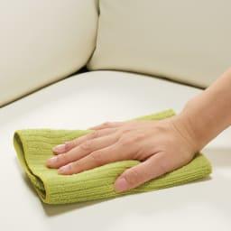 シンプルモダンソファ 3人掛け 汚れても布でさっとひと拭き。お子様がいても安心です。