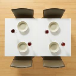 スマート伸長式ダイニング お得な5点セット(伸長式テーブル+チェア2脚組×2) 140cmで使用時は4人がけにぴったり。