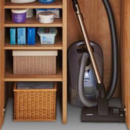 天然木調 掃除機もしまえる本棚 幅80本体高さ120cm 底板のない仕様で、家電などの収納に便利。
