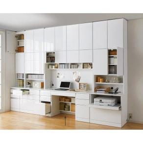 あこがれの書斎スペースを現実にする壁面収納 デスク上棚付き 両引き出し 写真