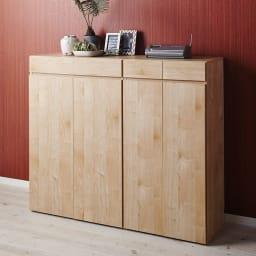 天然木調 掃除機もしまえる本棚 幅60本体高さ120cm 使用イメージ(イ)ナチュラル ※お届けは(写真右)幅60本体高さ120cmタイプです。