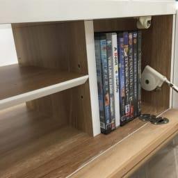 光沢が美しい 北欧風ナチュラルモダン リビング収納シリーズ  テレビ台 幅180cm フラップ扉内の仕切りにはDVDや本などが収納できます。