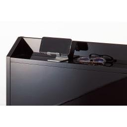 光沢が美しい収納チェストベッド ポケットコイルマットレス(厚さ19cm)付き ヘッドボードは小物が置ける奥行9.5cmの小棚付き。