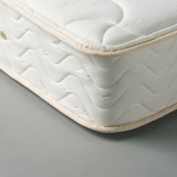 国産抗菌マットレス ポケットコイルマットレス コイルスプリングを一つ一つ包んで独立したポケット(袋)が点で体を支え、体のラインに沿ってしっかり体重を支えます。
