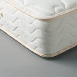 国産抗菌マットレス 低反発ポケットコイルマットレス 低反発ウレタンと、高密度で柔軟性・弾力性に富んだポケットコイルを使用して、しっとりとした寝心地を実現します。
