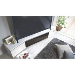 住宅事情を考えたコーナーテレビボード 幅165cm・右コーナー用(右側壁用) 使用イメージ(ア)ホワイト