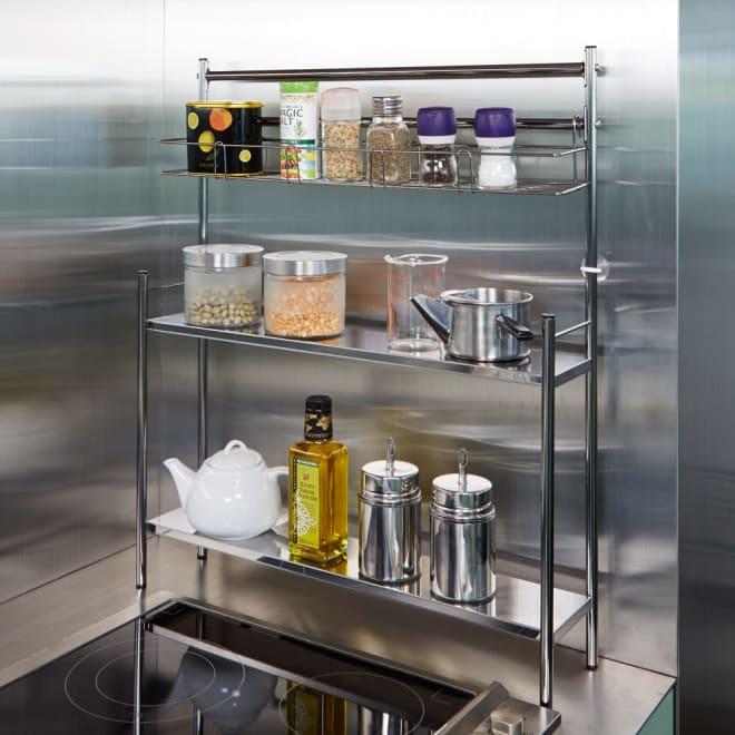 ステンレス棚コンロサイド収納ラック スパイスラックタイプ 幅56cm スパイスラック付き。