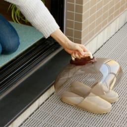 ベランダサンダルカバー 普段からカバーをかけておけば、素足ではいてもざらつかずさっぱり。