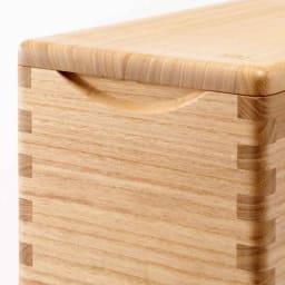 イシモク「桐子モダン」 桐の米びつ 10kg 手かけ部分アップ