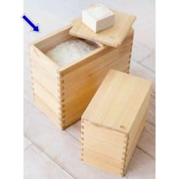 イシモク「桐子モダン」 桐の米びつ 10kg 写真奥が10kgタイプです。(手前は5kgタイプ)