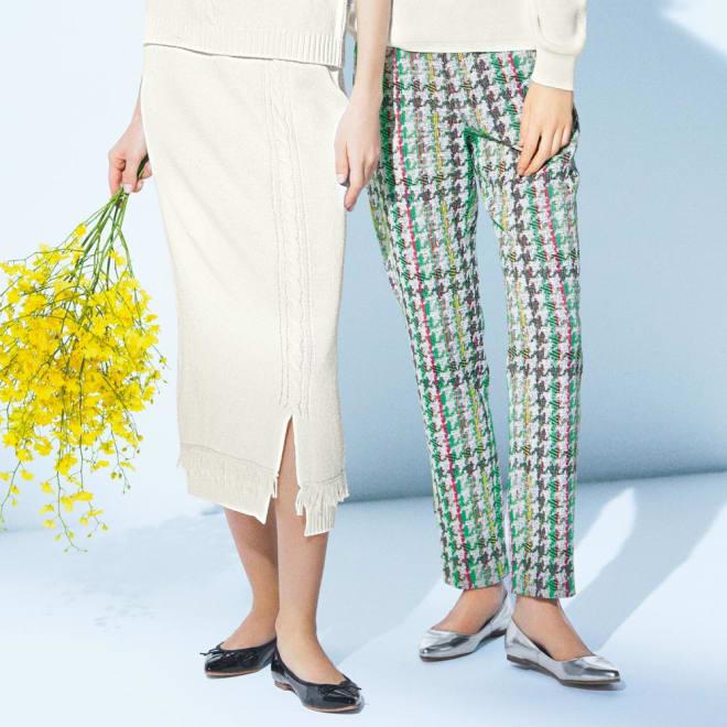 フリンジ使い ケーブルニットスカート (左)フリンジ使い ケーブルニットスカート コーディネート例