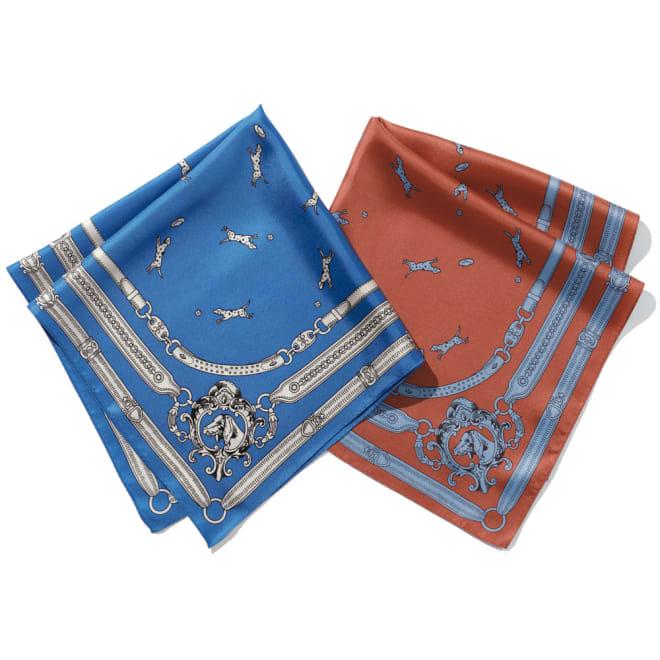 犬柄シルクプチスカーフ 左から(ア)ブルー×オフホワイト (イ)テラコッタ×ライトブルー