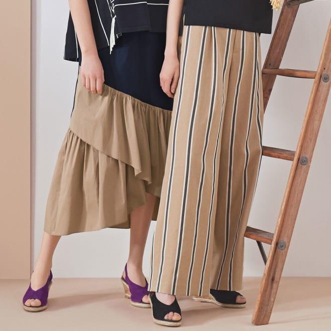 バイカラーフリルマキシスカート (左)バイカラーフリルマキシスカート コーディネート例