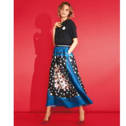 星とヒョウ柄スカーフプリント フレアスカート インパクトをふわりとまとう夏 コーディネート例