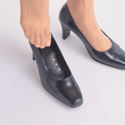 磁気インソール&土踏まずサポーターセット ハイヒールのフィット感もアップして、足への負担やストレスを緩和。