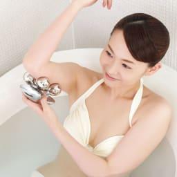 ReFa/リファ プラチナ電子ローラー(R) ReFa BODY (リファフォーボディ) お風呂でリラックスしながら使用いただけます。