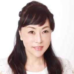 ララビュウホワイトCリンクルセラムEX 58g コスメプロデューサー 潤子ララビュールさん 「シンプルスキンケアで美肌」をコンセプトに自らコスメをプロデュース。現在は美容アドバイザーとして幅広く活躍中。