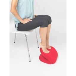 東急スポーツオアシス バウンドクッション 座ってできるからヒザに負担がかかりにくい。
