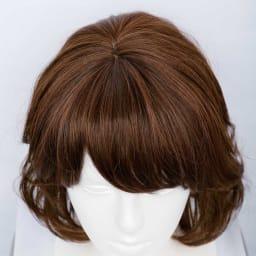 坂巻哲也ヘアコサージュ ナチュラルグレイスボブ (ウ)ブラウニーブラック ウィッグを使って印象マイナス10歳へ! カービングカット採用だから髪が頭の形にフィットして、軽く動きのある仕上がり。長い髪と短い髪が交互に重なるのでボリュームはありながらも、重量は驚くほど軽いのです。