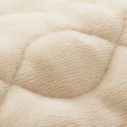 ファイテン 抗菌防臭リラックス寝具シリーズ リバーシブル 枕パッド(普通版サイズ)2枚組 リバーシブル仕様で、オールシーズン快適な肌ざわり! 暖かシャーリング面 パイルの表面をカットしたシャーリング。なめらかな肌ざわりで寒い時期におすすめ。
