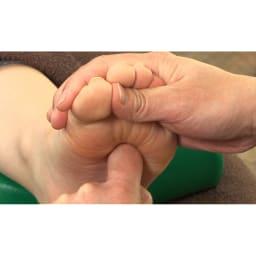 トライウォーカー リフレクソロジーの理論を元に揉み玉の大きさも追及。小さい筋肉が集まる足の付け根部分は細かい刺激