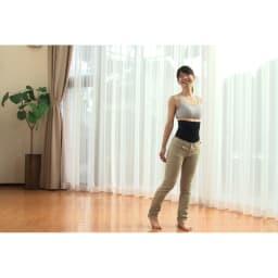 グングンウォークW この上から普通にジーンズなどのパンツがはけます。スパッツ感覚でワンピースを合わせてもおしゃれ。